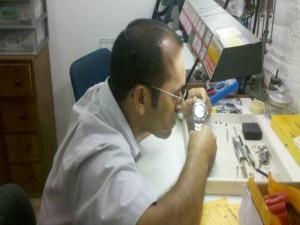 TROCA DE VIDRO DE RELOGIOS - RELOJOARIA JAMACS COPACABANA